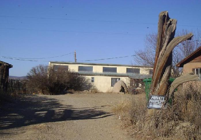 44 Old State Road 3, Arroyo Hondo, NM 87513