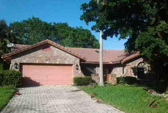 8977 Nw 49th Pl, Coral Springs, FL 33067