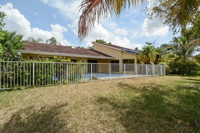 9044 Nw 52 Ct, Coral Springs, FL 33067
