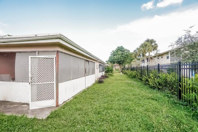 8464 NW 23rd Manor, Coral Springs, FL 33065