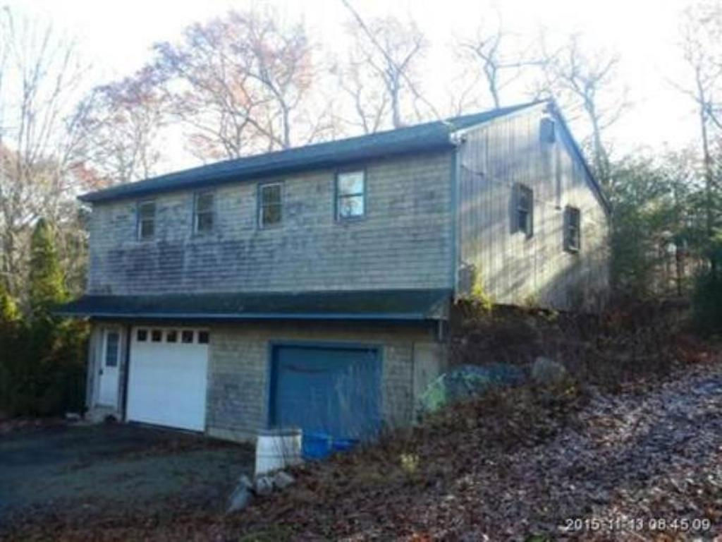 252 Wolf Rock Rd, Exeter, RI 02822