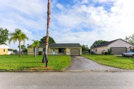 515 SW Belmont Cir Port Saint Lucie, FL 34953