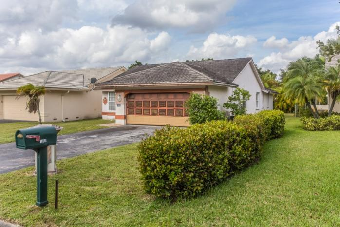 1902 Nw 97th Ave, Coral Springs, FL 33071