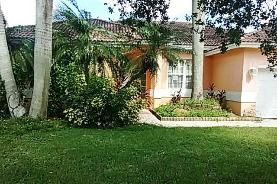15811 Sw 148th Ter Miami, FL 33196