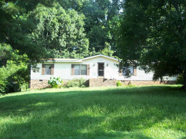 201 Riding Rd, Mount Holly, NC 28120