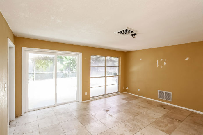 1954 Arvis Cir W, Clearwater, FL 33764