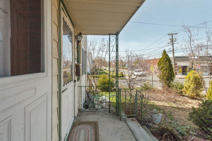 94 Floyd Ave, Bloomfield, NJ 07003
