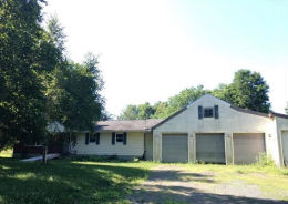 45 Wilkins Rd Kinderhook, NY 12106