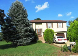 7 Devonshire Ct Flemington, NJ 08822