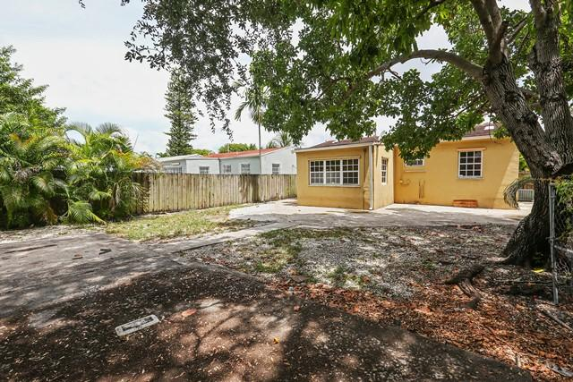 1250 SW 13th St, Miami, FL 33145