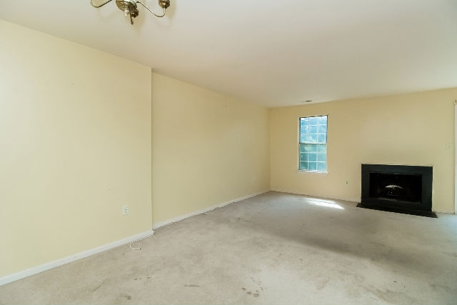 18326 Timko Ln Unit 107, Germantown, MD 20874