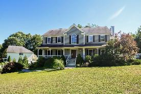 2 Cross Creek Ln Seymour, CT 06483