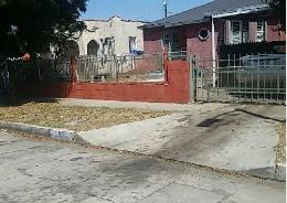 621 E 98th St Los Angeles, CA 90002