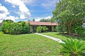 8936 Crichton Wood Ct Orlando, FL 32819