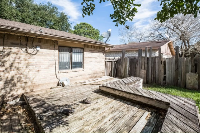 5507 Hickory Forest Dr, Houston, TX 77088