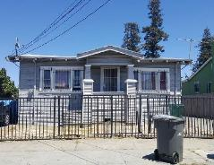 9712 Walnut St Oakland, CA 94603