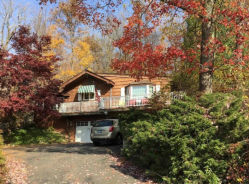 17 Mist Hill Dr New Milford, CT 06776