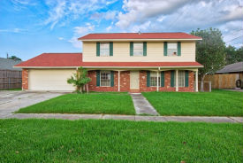 2669 Saturn St Harvey, LA 70058