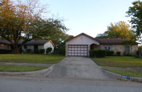 1511 Clearbrook St Lancaster, TX 75134