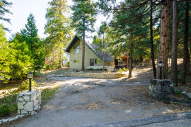 220 Grass Valley Rd Lake Arrowhead, CA 92352