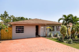 7121 SW 83rd Ct Miami, FL 33143