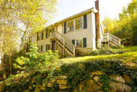 13 Lovelace Ln Northbridge, MA 01534