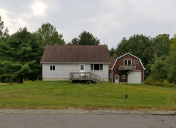 149 Frost St Lincoln, ME 04457