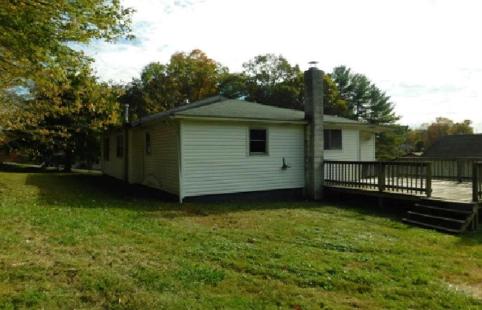 211 Gray Road, Crab Orchard, WV 25827