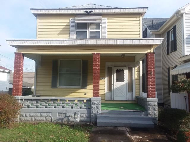1010 Indiana St, Martins Ferry, OH 43935