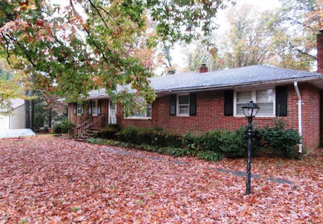 2414 Driftwood Rd, North Chesterfield, VA 23235