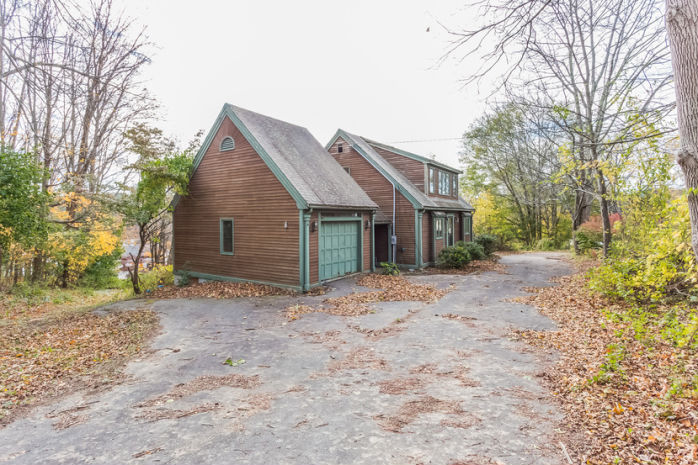 9 Middle Rd, Merrimac, MA 01860