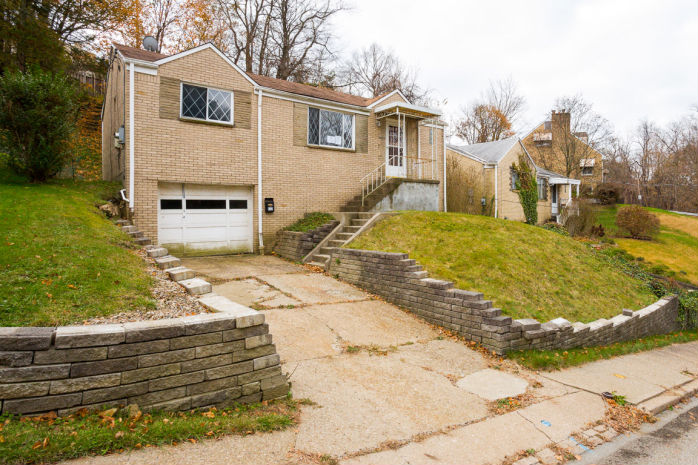 612 Northcrest Dr, Pittsburgh, PA 15226