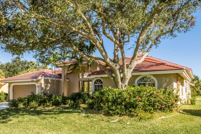 4901 Nw 106th Ave, Coral Springs, FL 33076