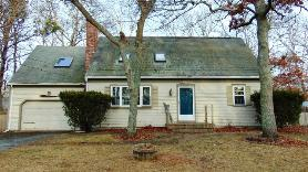 48 Flicker Ln West Yarmouth, MA 02673