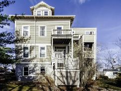 17 Fort Ave Unit# A Roxbury, MA 02119