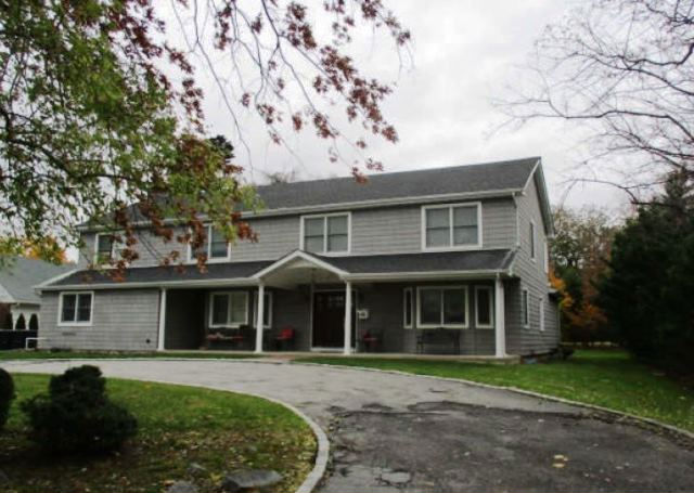 190 W Ivy Hill Rd, Woodmere, NY 11598