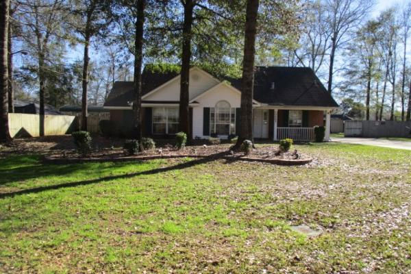 10667 Dees Ct, Grand Bay, AL 36541