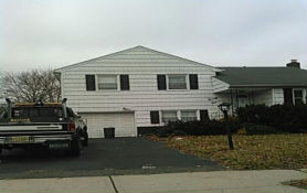 21 Plenge Dr Belleville, NJ 07109