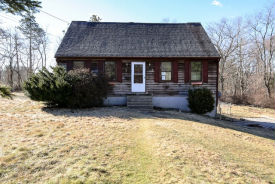 9 Page Ln Dudley, MA 01571