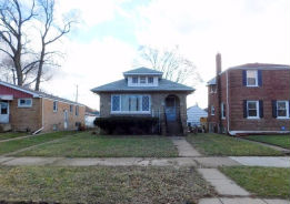 43 Warren St Calumet City, IL 60409