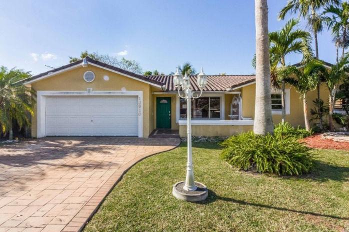 13810 Sw 108th St, Miami, FL 33186