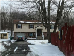 142 Freetown Rd Wallkill, NY 12589