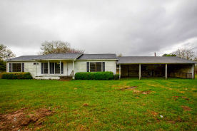 2141 Blakely Rd Wallis, TX 77485