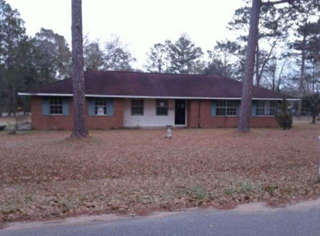 907 Dogwood Dr, Blackshear, GA 31516