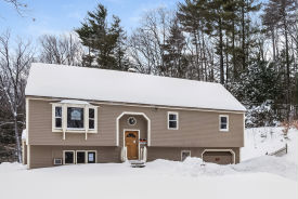 108 Mount Delight Rd Deerfield, NH 03037