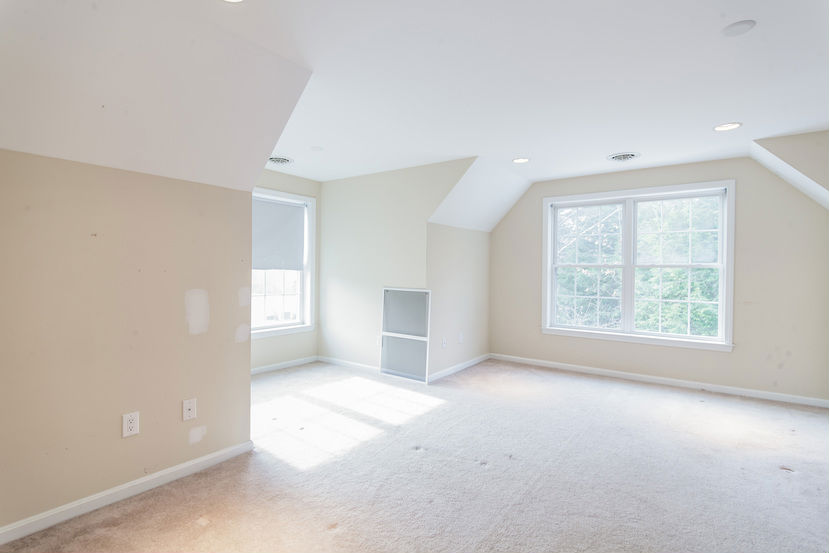 12 Madison Ln, Newmarket, NH 03857