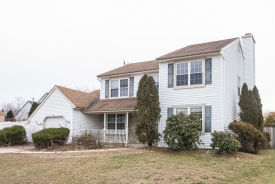 6 BEECH DR Blackwood, NJ 08012