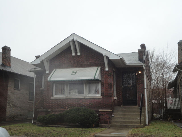 7414 South Bennett Ave, Chicago, IL 60649