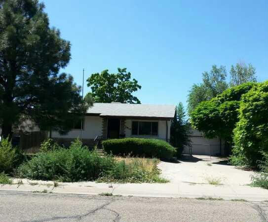 3312 Hollybrook Ln, Pueblo, CO 81005