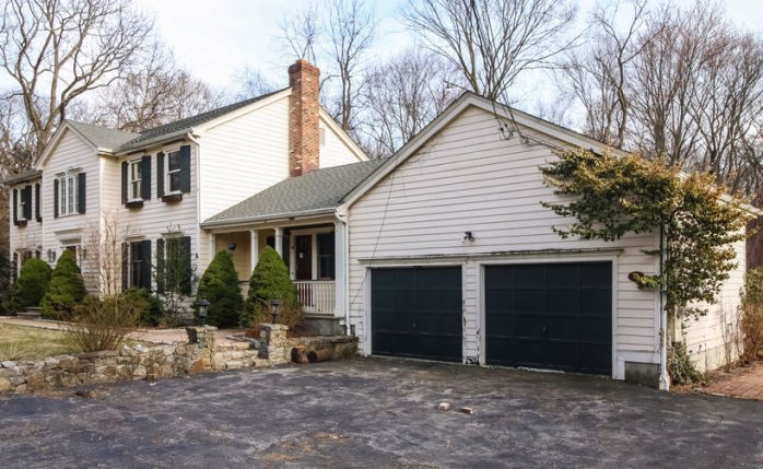 175 Peters Ln, Stratford, CT 06614